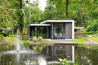 Modernes Chalet mit Terrasse, in einem...
