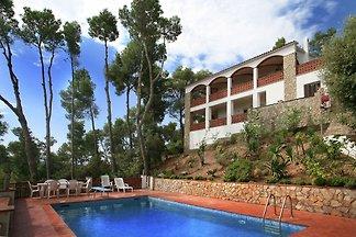 Maison de vacances captivante à Pals avec...