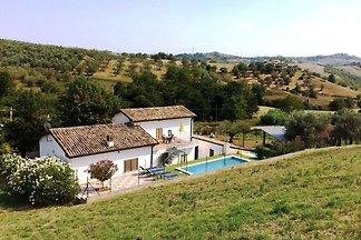 Ferienhaus in Picciano mit Swimmingpool