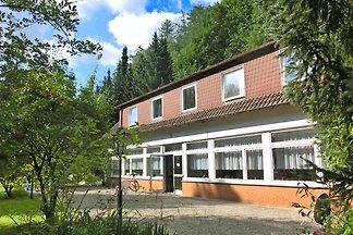 Geräumiges Ferienhaus in Waldnähe in Löwensen...