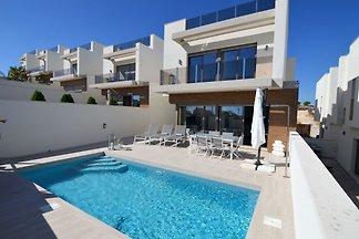 Moderne Villa in Orihuela mit eigenem Pool