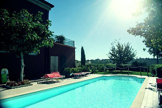 Modernes Appartement mit Swimmingpool in Cori...