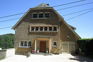 Modernes Ferienhaus in Bouillon mit Terrasse