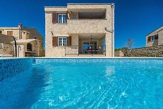 Wunderschöne Steinhausvilla in Privlaka mit b...