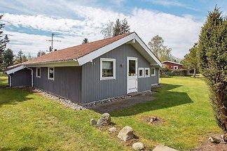 Rustikales Ferienhaus in Idestrup in...