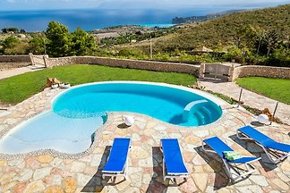 Nice small villa with private pool and wonder...