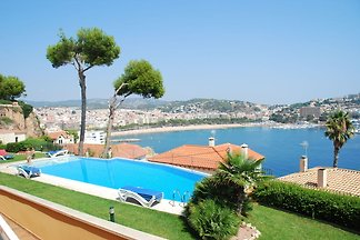 Apartment with joint pool and fantastic sea...