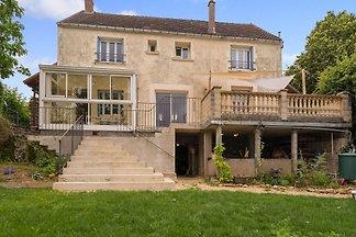 Charmante Villa in Saizy mit privatem Pool
