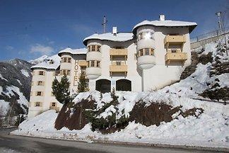 Luxus-Ferienwohnung mit Swimmingpool und Whir...