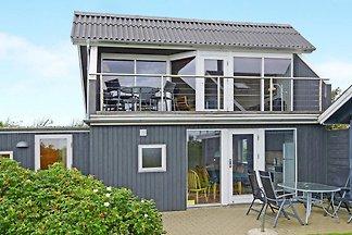 Gemütliches Ferienhaus in Hemmet mit Fjord in...