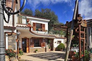 Gemütliches Ferienhaus, eigener Pool, Massa L...
