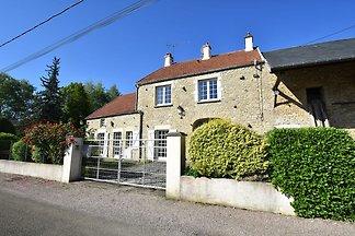 Modernes Ferienhaus in Vault-de-Lugny mit...