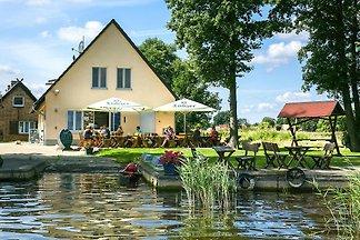 Ferienwohnung auf dem Fischerhof, Vipperow