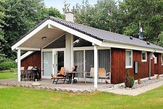 Luxuriöses Ferienhaus in Dannemare mit Sauna