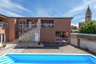Apartment Noa IV in Villa Valtrazza mit Gemei...