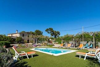 Luxus-Landaus in Katalonien mit Garten und...