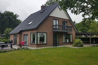 Komfortable Villa mit Geschirrspüler, nahe de...