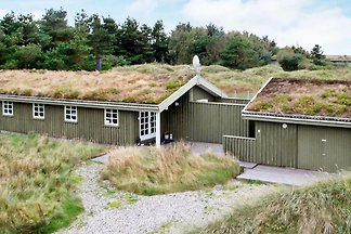Hübsches Ferienhaus in Løkken mit Sauna