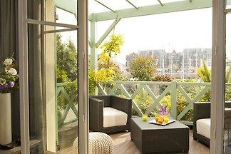 Stilvolle und komfortabel eingerichtete Wohnu...