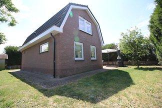 Schönes Haus mit großem Garten, in Noordwijk ...