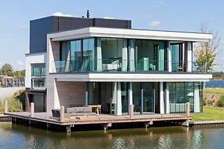 Luxusvilla mit Sonnendusche, 3 Bäder, nahe de...