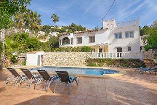 8-P.-Villa in toller Lage, Pool & Terrassen, ...