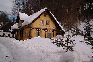 Charmantes Ferienhaus mit eigenem Garten in...