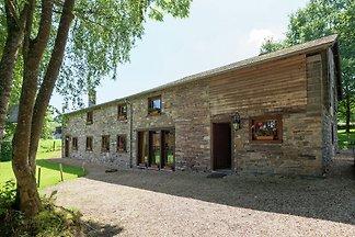 Idyllisches Cottage in Jevigné mit Terrasse
