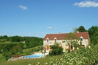 Reizendes Ferienhaus mit Swimmingpool in...