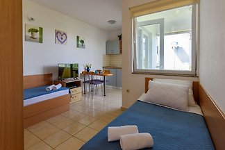 Geräumiges Apartment in Sukošan mit Balkon