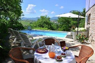 Schöne Villa in Fabriano Marche mit...