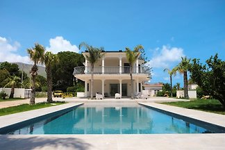 Charming villa with private pool located in...