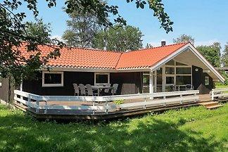 Bezauberndes Ferienhaus mit Sauna in Martofte