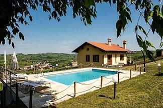Moderne Ferienwohnung mit Pool in Santa Maria...