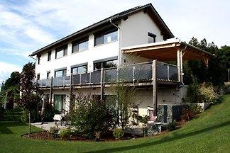 Moderne Wohnung in Waldnähe in...