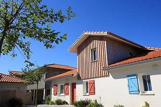 Gepflegtes Ferienhaus mit Terrasse, 150 m vom...