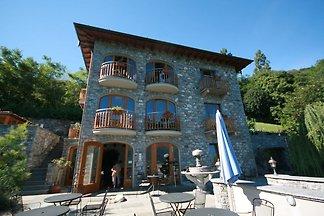 Wunderschöne Villa in Trezzone mit Blick auf ...