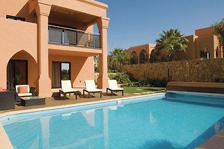 Geräumige Villa mit eigenem Swimmingpool in...