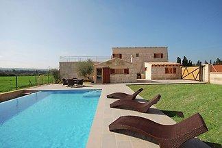Modernes Ferienhaus mit eigenem Pool