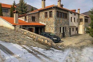 Elegantes Ferienhaus in Pella mit Whirlpool