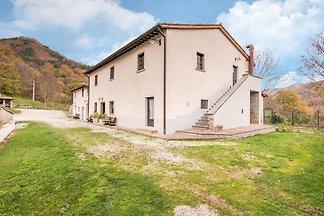 Faszinierende Wohnung in Borgo Pace mit Grill