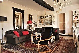 Beruhigendes Ferienhaus in Dun-sur-Grandry mi...