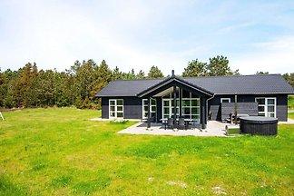 Modernes Ferienhaus in Jütland mit Terrasse