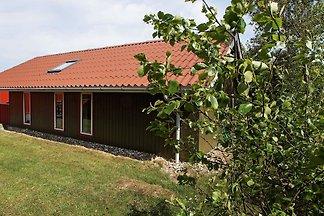 Modernes Ferienhaus mit Blick ins Grüne in...