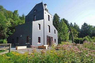 Exklusives Ferienhaus in Nassogne mit Garten