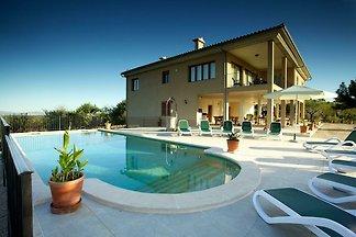 Schönes Landhaus mit Pool und Panoramablick f...