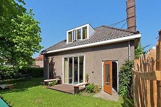 Idyllisches Ferienhaus in Schagen mit Garten