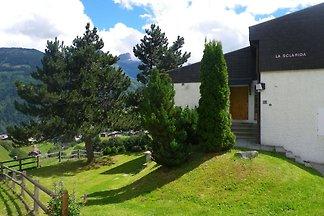 Appartamento tranquillo a Segnas, Svizzera, c...