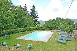 Spacious Holiday Home in Cortona with Private...