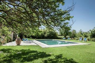 Exotischer Bauernhof mit Swimmingpool in...